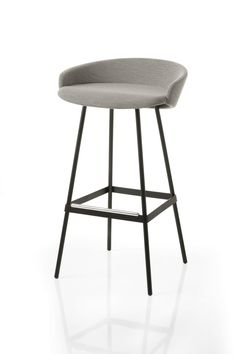 MG LAB presenta la nuova seduta Karl di Luca Nichetto, lomaggio a Lagerfeld #lucanichetto #karl #lagerfeld #design