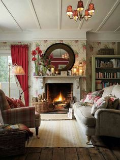 Having small living room can be one of all your problem about decoration home. To solve that, you will create the illusion of a larger space and painting your small living room with bright colors c… Cottage Living Rooms, Small Living Rooms, Living Room Designs, English Living Rooms, Small Cottage Interiors, English Cottage Interiors, English Interior, Cottage House, Small Bedrooms