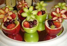 Really cute fruit cups Cute Fruit, Cute Food, Good Food, Yummy Food, Tasty, Delicious Fruit, Funky Fruit, Delicious Recipes, Deco Fruit
