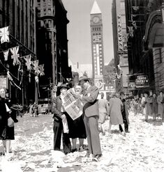 Toronto is ankle-deep in paper following VE-Day. RONNY JAQUES, NATIONAL FILM BOARD, LIBRARY AND ARCHIVES CANADA—PA114627