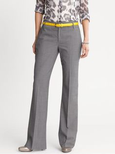 Take a look at the best business casual slacks in the photos below and get ideas for your work outfits! Business Casual Slacks, Business Attire, Business Outfits, Office Outfits, Business Fashion, Business Clothes, Business Style, Professional Wardrobe, Work Wardrobe