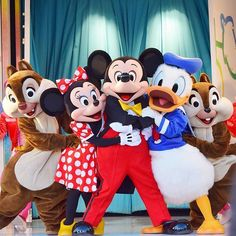 Minnie Mickey and pals