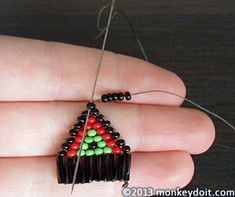 Step-by-step instructions how to make beaded earrings with fringe using small seed and bugle beads Beaded Earrings Native, Beaded Earrings Patterns, Beaded Tassel Earrings, Diy Earrings, Bead Patterns, Diy Beaded Earrings Tutorial, Diy Beaded Rings, Earring Tutorial, Stud Earrings
