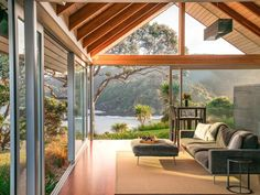Living In New Zealand, New Zealand Houses, House In Nature, Interior Design Magazine, New Zealand Travel, Glass House, Renting A House, Pergola, Sweet Home