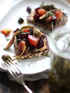 Beet Tartine with Ma Beet Tartine with Marinated Caper Berries - My New Roots Healthy Food Options, Healthy Eating Recipes, Healthy Choices, Meatless Recipes, Veggie Recipes, Caper Berries, My New Roots, Beet Recipes, Good Food