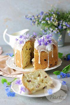 Drożdżowe ciasto Wielkanocne Flat Lay, Vanilla Cake, Blueberry, Cottage, Food, Sweets, Berry, Cottages, Essen
