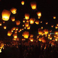 Sky Kongming Lanterns Flying Fire Balloon Wishing Casting Luck Lamp USA Seller