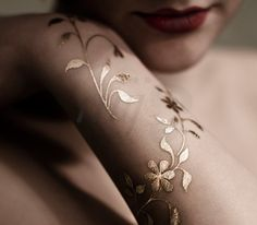 beautiful temp tattoo - Gold Sin Skin Jewels - for a summer pop on tan skin :) available at GoldTattoosUS.com