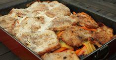 A tepsis karaj nagyon kedvelt egytálétel. Nem nehéz elkészíteni, laktató, és rengeteg finom ízt képes egyetlen tepsiben a tányérra varázsolni! Meat Recipes, Dinner Recipes, Healthy Recipes, Cauliflower, Food And Drink, Pork, Turkey, Lunch, Chicken