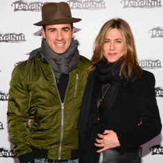 Jennifer Aniston and Justin Theroux Arrive on the Red Carpet With Big Smiles