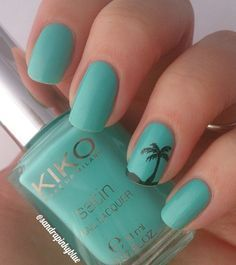 Although this aquamarine nail polish s already beautiful on its own, you can create a silhouette of a scene that you can closely relate to this color; like the beach. The end results would be breathtaking.