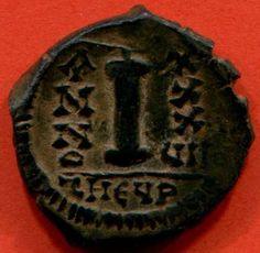 Justinien 1° Decanummium en bronze, Theoupolis (Antioche)- IVOIRE BARBERINI 3) IDENTIFICATION DE L'EMPEREUR. 3.3 COPIE ATHENIENNE DU MOTIF DU L'IVOIRE BARBERINI, 6:... conclue avec l'empire perse en 532 qui fut l'occasion de la création de cette image. Les critères stylistiques admettent toutefois aussi bien une datation plus tardive.
