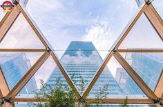 """Is very pleased to announce the winner of yesterday's #LDN4ALL_capture2kill selected by @priteshkapadia In Pritesh's words: """"I chose this brilliant shot because it's not an angle of the HSBC tower in Canary Wharf you see often. The framing and symmetry is fantastic and the colours are well-composed. The reflection of the clouds on the building gives the overall capture that extra bit of detail - Congrats @groovylens ! Thank you to everyone for using the tag to submit your photos they were…"""