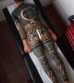 いいね!1,986件、コメント23件 ― InkGeeksさん(@inkgeekstattoos)のInstagramアカウント: 「#DopeArt done by @haivarasly! Tattoo artists sign up for FREE on inkgeekstattoos.com today! #inked…」