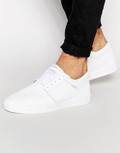 Supra Hammer Trainers - Sharp white Supra's that'll definitely tidy up this… Best White Sneakers, White Shoes Men, Casual Sneakers, Shoes Sneakers, White Trainers Men, Vans Shoes Fashion, Snicker Shoes, Best Shoes For Men, Shoes
