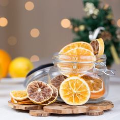 Deco Orange, Deco Fruit, Deco Table Noel, Orange Table, Xmas Dinner, Orange Fruit, Orange Recipes, Diy Projects To Try, Christmas 2019