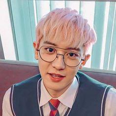 Imagining that chanyeol is your classmate :>>❤️ cre: @ Beggy Exo Chanyeol, Exo Ot12, Kyungsoo, Baekyeol, Chanbaek, Young K, Kim Minseok, Xiu Min, Exo Members