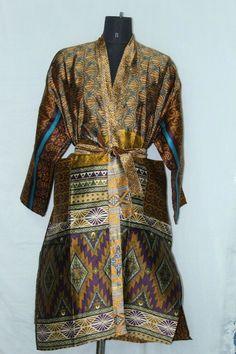 Vintage Woman's Jacket Patchwork Bathrobe Indian Silk Sari Kimono Dress Sk-1047 #Handmade #Kimono #AnyOccasionCasual