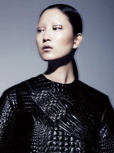 Top 20 Trends of the Day - From Exciting Ethnic Fashion to Arched Geometry Sculptures (TOPLIST)