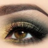 Joanna | Looks | Makeup Geek....love the warm autumn eye shadow colors!