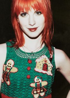 Hayley Williams hair doo. if i ever do bangs, i want them to look like this (too bad my hair is sooo thin)