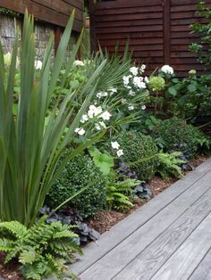 Floriculture And Landscape Gardening Pdf Landscape Gardening Jobs Melbourne. Back Garden Design, Backyard Garden Design, Diy Garden, Shade Garden, Garden Cottage, Front Gardens, Small Gardens, Tropical Gardens, Tropical Fruits