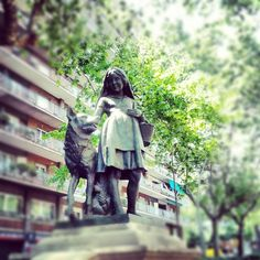 Little wolf #Barcelona #landmark #instagramers #sculpture #art - @sergimontes- #webstagram