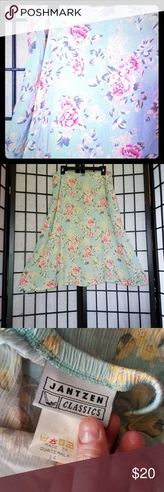 """Vintage Jantzen Classic Floral A Line Skirt Light, beautiful and ready for spring or summer. This is a full a line so it's flattering on almost all body types. No stains or tears. Perfect condition. Length 28"""", Waist 16"""". Please feel free to ask any questions! Jantzen Skirts A-Line or Full"""