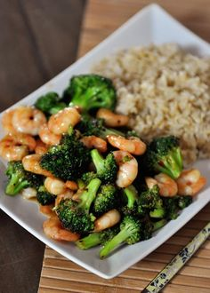 Stir-Fried Broccoli with Brown Rice | Add some shrimp or any other protein to elevate the dish and its tasty and Asian-inspired flavors.