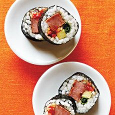 Pineapple Musubi Rolls  Hawaiian PuPu's <3  34 cup short-grain rice (uncooked)  34 cup water (1 tablespoon)  3 tbsps rice wine vinegar  1 tsp mirin (sweet rice wine)  1 tbsp sugar (2 teaspoons, divided)  12 tsp kosher salt  1 tbsp lower sodium soy sauce  cooking spray  4 ozs spam (lite cut into 2 34 inch thick pieces)  2 nori (seaweed sheets)  4 pineapple (4 4 inch julienne cut pieces fresh)  2 pieces green onions (8-inch)  12 tsp sriracha (hot chile sauce such as huy fong)