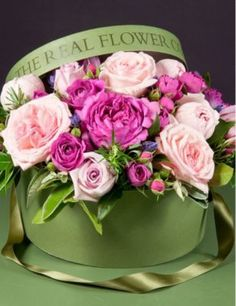 THE REAL FLOWER COMPANY Mixed Pink hat box arrangement