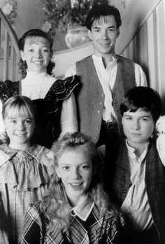 Sarah Polley, Zachary Bennett, Harmony Cramp, Michael Mahonen, and Gema Zamprogna in Road to Avonlea Movie Stars, Movie Tv, Sarah Polley, Road To Avonlea, Lm Montgomery, Anne Shirley, Anne Of Green Gables, Old Tv, Green Gables