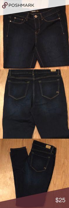 Woman's jordache skinny jeans Dark blue very skinny jean  By jordache  Never warn  Size 10 jordache Jeans Skinny