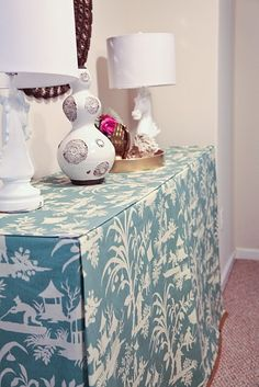 My skirted console table — johns journal Sofa Table Decor, Sofa Tables, Diy Table, Table Decorations, Console Tables, Custom Cushions, Table Covers, Home Furniture, Furniture Projects