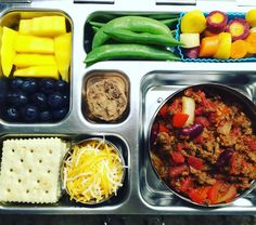 Monday's @planetbox lunch for my 4th grader is #homemade #organic #chili with shredded cheese, crackers, blueberries, mango, sugar snap peas, carrots, and @annieshomegrown cookies. Chili recipe from @100daysofrealfood. #peanutallergies #healthylunch #healthykidslunch #bento #eattherainbow #rockthelunchbox @rockthelunchbox #planetbox #organic #realschoolfood #healthykids #jerf #justeatrealfood #packedlunch #instafood #healthyfood #lunchideas #igmeals #planetboxlunches #healthykidscommunity…