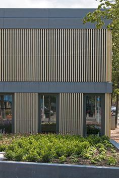 modern architecture wooden slats amsterdam hoope architekten. moderne eigentijdse houten zinken gevel met accoya latten