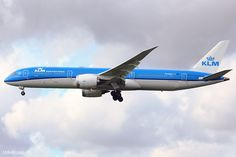 "PH-BGH, 14.07.2017 at Amsterdam, AMS, CN 38766, Boeing 787-9 Dreamliner, KLM Royal Dutch Airlines named ""Mimosa"", leased from AerCap."