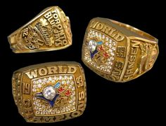 Toronto Blue Jays 1993 World Series Ring - Multiple Views World Series Rings, Mlb World Series, Blue Jays World Series, Giants Dodgers, Cool Rings For Men, Hockey Boards, Super Bowl Rings, Championship Rings, Toronto Blue Jays