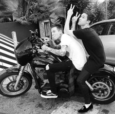 Jesse Rutherford / Zach Abels / The Neighbourhood / The NBHD OHHHHH MYYYYY GOSHHHH THEYRE PERFECT