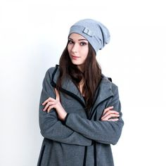 Price Women´s elegant stylish cap, smooth bow on the front. Suitable for mid-season. Stylish Caps, Scarf Hat, Caps For Women, Casual T Shirts, Winter Hats, Fashion Accessories, Zara, Women's Hats, Quartz Watches