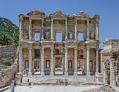 Ephesus was in ancient times a locality of Asia Minor,in present-day Turkey.It was an important Ionian city on the shores of the Aegean Sea.The city prospered during the Roman Empire.Around the years the Celso Library was built Ancient Greek City, Ancient Ruins, Ancient Rome, Ancient Artifacts, Angkor, Architecture Romaine, Art Romain, Library Of Alexandria, Rome Antique