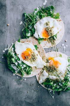 Healthy Egg Breakfast, Breakfast Tacos, Vegetarian Breakfast, Vegetarian Recipes, Breakfast Recipes, Healthy Recipes, Cheap Clean Eating, Clean Eating Snacks, Brunch