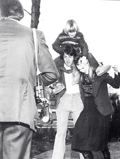 Dustin Hoffman Meryl Streep on the set of Kramer vs Kramer behind the scenes