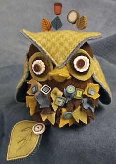 J Edgar Owl Pincushion Pattern - Includes pattern, buttons and pins only.