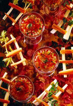 Gelatina de tomate con verduritas
