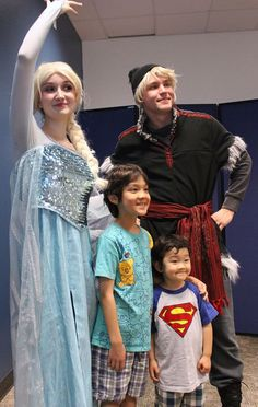 Even Superman came to see Elsa and Kristoff! - Frozen sing along - Spring Break 2015