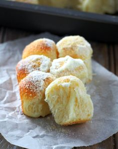 Milk and Sugar Mini Buns are soft and delicate bread bites that are generously sprinkled with milk powder and sugar to make heavenly treats. Funnel Cakes, Quick Bread Recipes, Sweet Recipes, Crockpot Recipes, Mini Desserts, Soft Flatbread Recipe, Biscotti, Cinnamon Roll Bread, Cinnamon Rolls