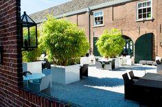 Mediterrane Binnentuin Het Arsenaal | #garden #summer #diner #brasserie #design #lifestyle