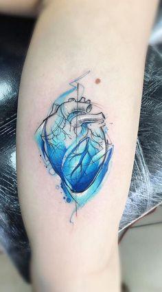 watercolor hear tattoo © tattoo artist Adrian Bascur 💙🌟💙🌟💙🌟💙 Source tattoo designs, tattoo, s Skin Color Tattoos, Body Art Tattoos, Sleeve Tattoos, Tattoo Skin, Tatoos, Tattoos Skull, Aquarell Tattoos, Kunst Tattoos, Pretty Tattoos