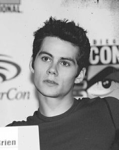Dylan O'Brien is so cute on this picture!!! Look at those eyes!!!!!!